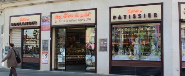 ◆ LA MONTMARTOISE  Tel : 01 42 27 45 26  Adress : 43 ,rue  Clignancourt  75018 PARIS  Open : -  Station  :  Châtteau Rouge④  HP  :     -